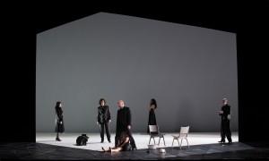 Schwarz auf weiß, Emilia Galotti am Theater Koblenz, Foto: Matthias Baus für das Theater Koblenz